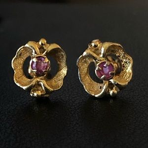 Ornate vintage 14k Gold Ruby Earrings